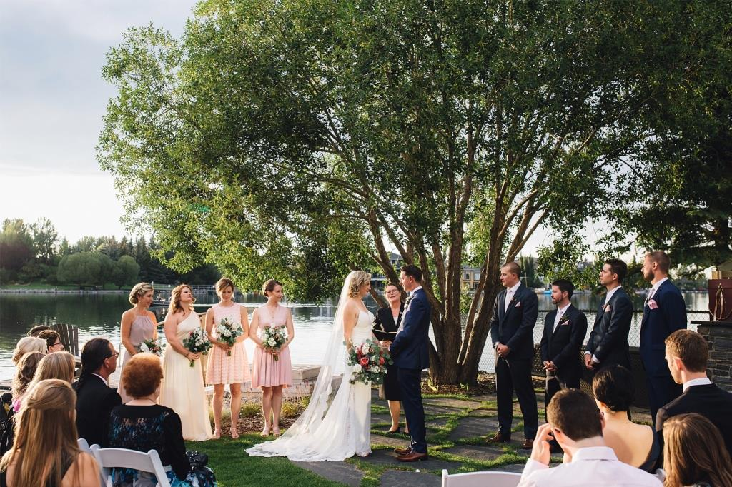 Jacqueline Hoare Officiant Diane+Mike Photography 1